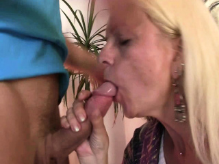 Laconic tits kirmess granny gets her shaggy cunt filled