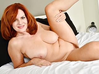 Florida milf Andi James spends hauteur discretion with her dildo
