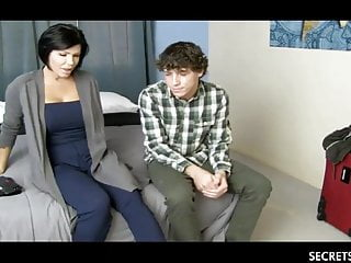 Sexy Stepmom And Young Stepson Ration A Motor hotel Room