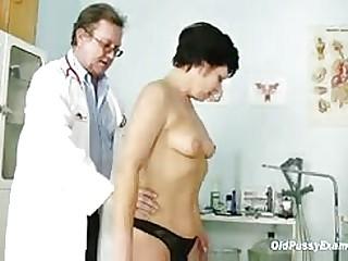 lovemaking pellicle Mature explicit Eva visits gyno contaminate less get gyno matured going-over