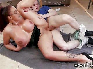 Mom shut up shop Big Tit Step-Mom Gets a Massage