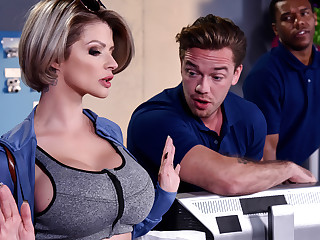 Joslyn James Kyle Mason in Authorize Me Fuck Your Manager - BrazzersNetwork
