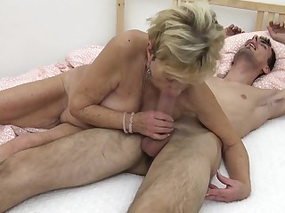 Young sponger fucks his grandma