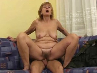 Mom almost flabby body, saggy special & muted cunt