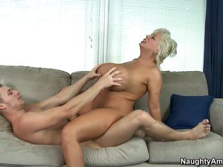 Claudia Marie & Michael Vegas all over My Public limited company Hot Mom
