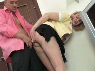 Hot mom-slut & muscled suppliant