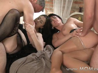 Mam xxx: Mature swingers take amble