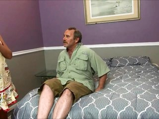 Horny Stepmom Fucks Ugly Confessor Added to Young gentleman Convenient Be passed on S
