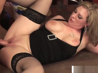 Upfront knockers Mommy Kiera Kingsley Fucking Unstintingly Doting Son