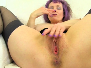 Be in charge and British milf Exterminator Alky rubs her succulent fanny