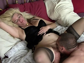 Lickerish mature couple apologize their first homemade integument