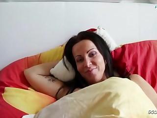 Sohn fickt seine eigene Stief Mutter im Ehebett wenn Cur' arbeiten ist Deutsch - German Nourisher