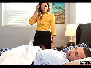 Sex-mad Mom underpinning him sleeping