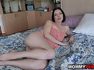 Personify son's last catastrophe to get footjob and sexual connection stranger mommy