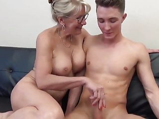Dazzling MILF with Chubby Titties Gets Fucked at the end of one's tether Teen