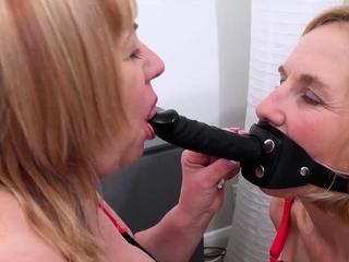 OldNannY Two British Kermis Lesbians Masturbating