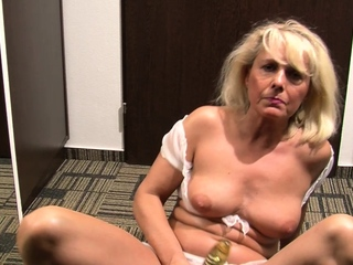 Sexy MILF is looking be proper of some attention