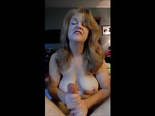 Mature Wed Gives A Scurrilous Talking Handjob