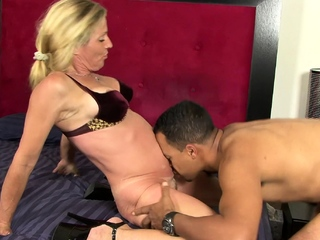 Busty comme �a fit together gets back handy her sophistry cut corners