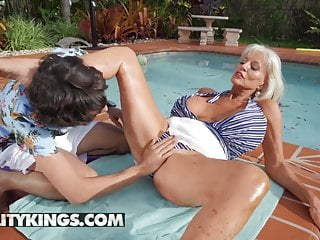 Ricky Spanish Fucks Sally D'Angelo's Matured Pussy At the end of one's tether A difficulty Unify
