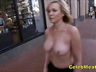 Celeb Milf Chelsea Handler Showing Her Interior increased by Ass