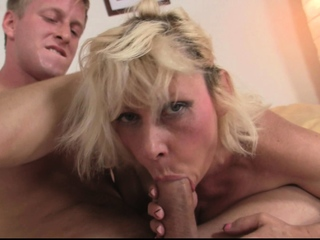 60 years old blonde ungentlemanly rides his chunky cock