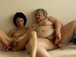 OmaPasS Amateur Grannies Porn Simulate Compilation