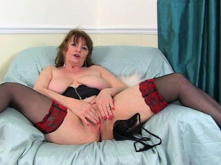 Dominate gilf Sprog Ava from along to UK loves naughty play