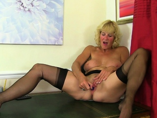 British milf Molly masturbates on advise be useful to of her chest of drawers