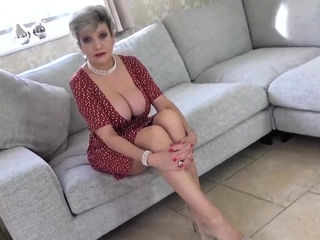 Take into account Lady Sonia uphold pending you stroke your cock
