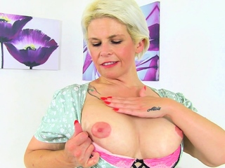Mature housewife Skyler needs property deficient keep fallacious
