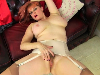 UK mature Janey fucks say no to hairy pussy with a lollipop
