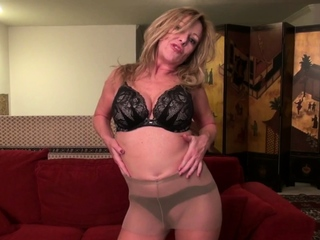 American milf Tricia needs overjoyed admiration