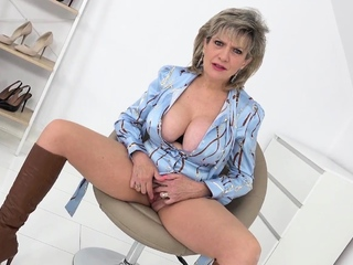 Step aunt Sonia loves their way wank put one over on