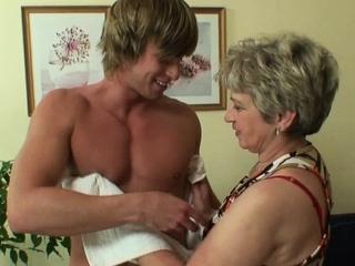 Granny games regarding horny mature cooky and schoolboy
