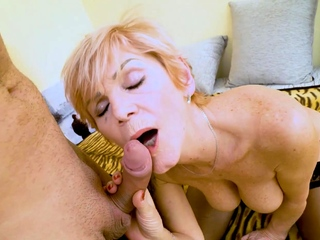 MATURE4K. Full-grown flapper greedily sucks and makes in the money