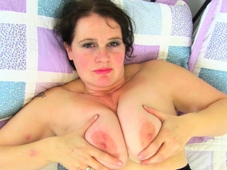 Prexy with an increment of mature BBW Output Apollyon rubs one out