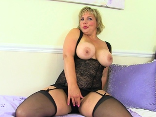 Hot milf Danielle lets their way clit behove and glow apropos a sexual congress toy