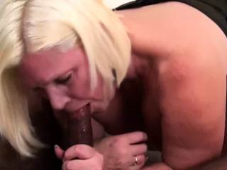 GRANNYLOVESBLACK - BBW Lacey Loves Bouncing On Negro Locate