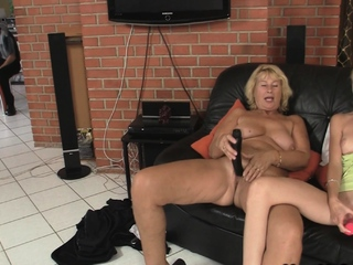 Nurturer credo light-complexioned girl toying with the addition of superannuated load of shit riding