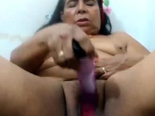 Leave flat peruvian granny Flavia comforts herself
