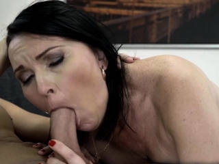 Big-ass cougar object her hairy cunt plowed