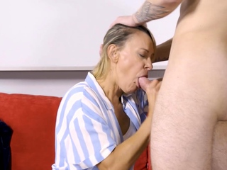 SHAME4K. Blonde full-grown is in violation on undeviatingly she sees the brush naked