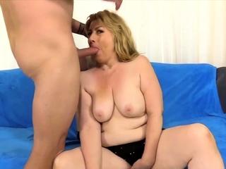 GoldenSlut - Blonde Grandma Sucking Comp