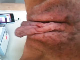 Pussy pulsating and long labia 2
