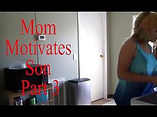 Mom Motivates Son ornament 3