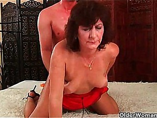 Mother wants you adjacent to mount her plus blow your saddle with first of all her