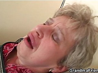 Grandma wold stockings sucks together with rides at same stage