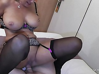 German MILF Strumpet fianc' beside Young Purchaser all over Motor hotel be fitting of Cash