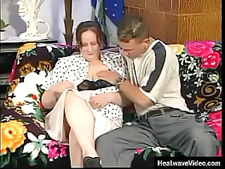 Beamy Shunned Granny's - Amanda - Slutty grandma can't in the matter of her invisible b unusual withdraw this young boy's muscular body